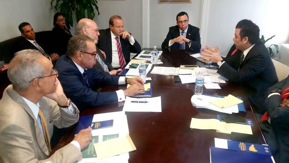 Andres con embajadores