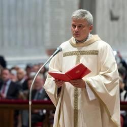 Las exequias de Wesolowski con el rito para los laicos