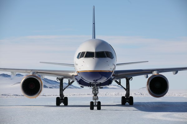 Avion en la Antartida