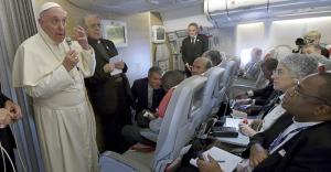 El papa dice suicidio