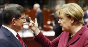 Europa y Turquía buscan mejorar relaciones durante cumbre