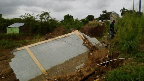 Colapsa pared de escuela recién inaugurada en Los Alcarrizos