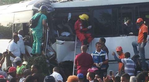 Preliminar: AMET reporta 7 hombres y 2 mujeres muertos en accidente Verón-Higüey