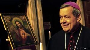 Piden que el Papa destituya a obispo chileno