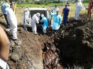 Sepultan 24 cuerpos abandonados por familiares en morgue de Honduras