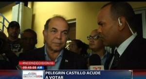 Pelegrín Castillo acude a votar