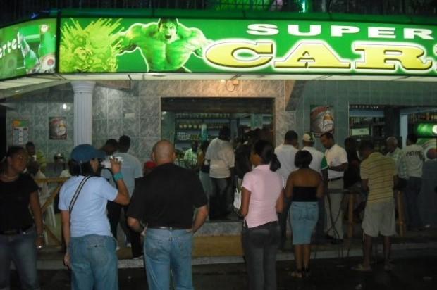 Interior y polic a ordena a centros de bebidas alcoh licas for Ministerio de interior y policia