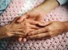 Las autoridades están trazando el primer Plan Nacional de Alzheimer para buscar mejores tratamientos para la enfermedad y ofrecer mejor atención a los afectados.