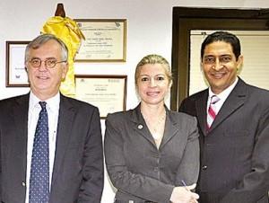 Autoridades de Unicaribe con el representante de la FAO.