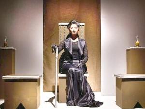 Una escena de las primeras funciones de la obra que vuelve a Casa de Teatro.