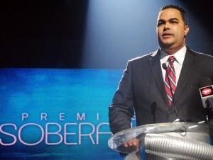 Máximo Jiménez, presidente de Acroarte, dio a conocer a los nominados durante una rueda de prensa este domingo.