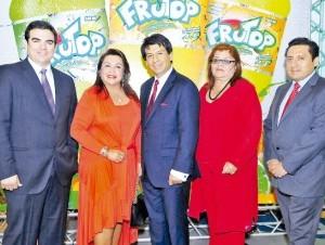Luis Guillermo Zavalaga, Tania Alcázar, Arturo Marroquín, Mercedes Herrera y Mario Medina.