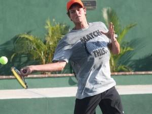 El tenista dominicano José (Bebo) Hernández.