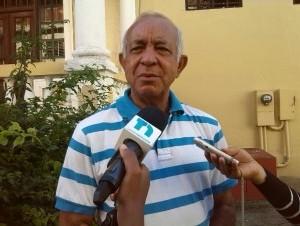 Padre Luis Rosario.