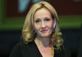 escritora británica J.K. Rowling.