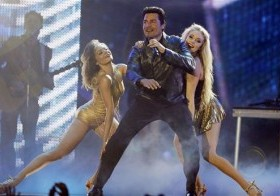 Chayanne canta en la ceremonia de los Premios Billboard de la Música Latina.