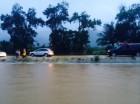 Inundaciones en la autopista Duarte, en Bonao.