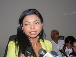 Yeni Berenice dice funcionarios acosan a los fiscales en casos de corrupción