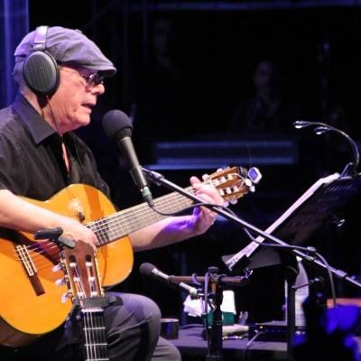 Silvio Rodríguez durante su concierto en Baní.