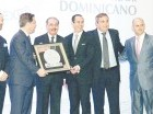 El presidente Medina y Sadala Khoury premian a Barceló Export Import.