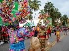 El desfile se caracterizó por un derroche de colores  y expresiones folclóricas.