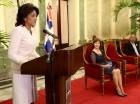 La primera dama, Cándida Montilla de Medina, junto a la representante de UNICEF en el país y el director de Conadis.