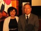 Fiora Cruz, directora de Cinemateca y Takashi Fuchigami, embajador de Japón.