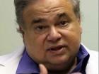 Fotografía de archivo del 20 de julio de 2009 del doctor Salomon Melgen en su oficina en West Palm Beach, Florida..