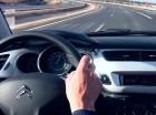 Al tomar las carreteras, se recomienda andar con precaución para evitar accidentes automovilísticos.