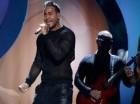 Romeo Santos canta en la ceremonia de los Premios Billboard de la Música Latina, el jueves 30 de abril del 2015 en Coral Gables, Florida.