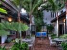 El hotel combina una acogedora modernidad con el encanto colonial.