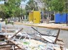 A 17 días del cierre de la Feria del Libro aún permanecen los escombros de los stands.