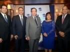 Manuel Castillo, Gabriel Castro, Héctor Valdez Albizu, Clara González y Ervin Novas.