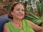Ida Hernández Caamaño considera que el lenguaje convertido en instrumento creativo de arte es casi lo más importante en el poema.