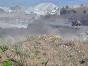 Unas 1,500 tareas son explotadas con extracciones de agregados por las constructoras Bisonó y Alba Sánchez, lo que preocupa a grupos ecologistas de San Cristóbal.