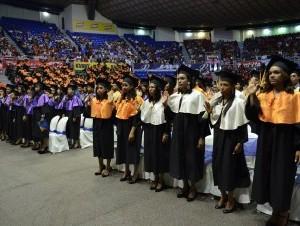 Vista de los graduandos de la Universidad Autónoma de Santo Domingo (UASD).