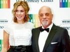 Billy Joel junto a Alexis Roredick.