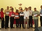 Participantes en el programa reciben certificaciones de Microsoft IT Academy.
