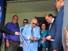 Vincho Castillo corta la cinta en la inauguración de la Casa Nacional de la FNP.