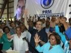 Luis Abinader juramenta a presidente y regidora del PRD en Santo Domingo Norte.