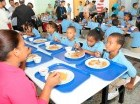 El desayuno escolar es uno de los programas claves de Minerd.