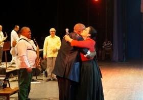 Johnny Ventura y Maridalia en su primera actuación en Cuba