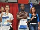 Extranjeros reciben sus carnés del Plan de Regularización.