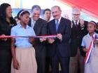 Presidente Danilo Medina mientras corta la cinta y deja inaugurada una escuela dos  en El Higüero, Villa Mella.