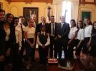 Danilo Medina recibió a un grupo de diez estudiantes dominicanos meritorios de Nueva York.