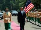 Barack Obama fue recibido con honores en Etiopía.
