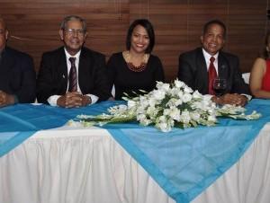 Ana Daisy Guerrero, presidenta del Círculo de Locutores Dominicanos, Inc., (CLD), junto a Buenaventura -Bueno- Torres, Jovanny Matos, entre otros.