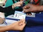 Durante la entrega de carnés a extranjeros producto del Plan de Regularización.