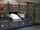 Cuerpo en morgue.