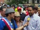 Benny Metz al ser entrevistado por El Pachá en Nueva York.